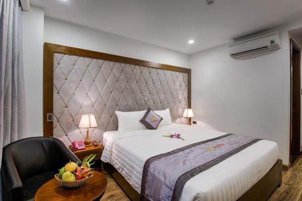 Combo Đà Nẵng Mùa Thu: Khách sạn 3 sao + vé máy bay khứ hồi từ Hà Nội