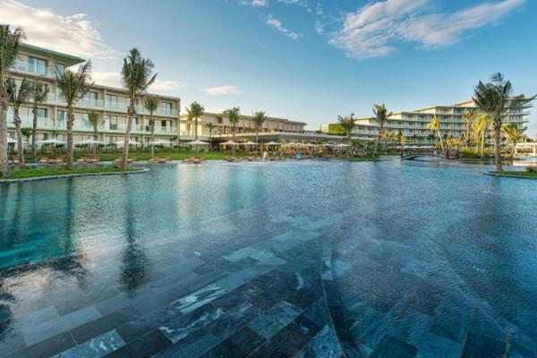 Villa FLC Sầm Sơn Luxury Resort  gồm ăn 3 bữa và xe khứ hồi từ Hà Nội