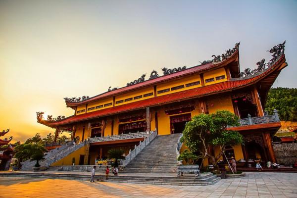 Free & Easy Hà Nội - Hạ Long Paradise Suite Tuần Châu 4 Sao 2N1D