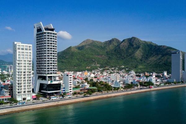 Combo kỳ nghỉ Nha Trang tại Nha Trang Royal Beach Boton Blue 5 sao 3 ngày 2 đêm