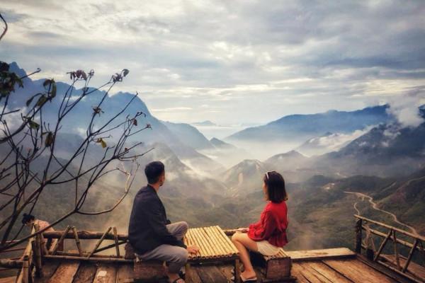 Cầu kính Rồng Mây Sapa -  điểm săn mây cao 500m sát vách núi Ô Quy Hồ