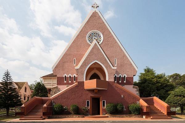 Top 5 nhà thờ Đà Lạt đẹp mê mẩn khiến ai cũng không thể rời mắt