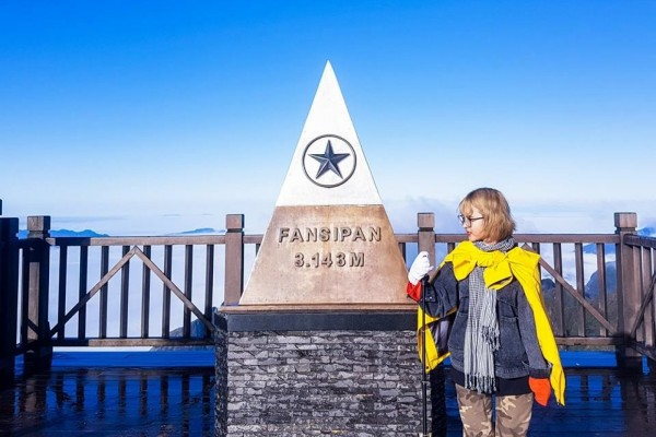 Kinh nghiệm chinh phục đỉnh Fansipan bằng cap treo đầy đủ và chính xác nhất