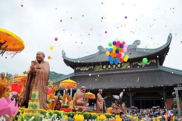 """Kinh nghiệm du xuân Lễ chùa đầu năm """"cầu bình an tài lộc"""" tại chùa Bái Đính"""