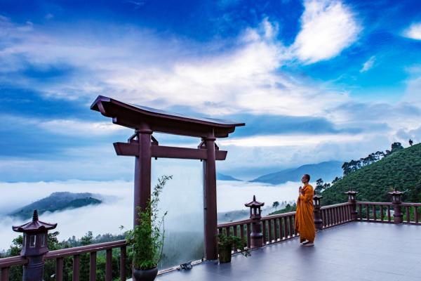 Du xuân đầu năm tại những ngôi chùa đẹp nổi tiếng linh thiêng tại Đà Lạt
