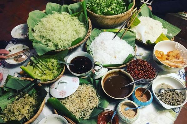 """Ăn đêm ở Huế - Top 6 món ăn khuya ngon đến """"thổn thức"""" tại xứ Huế"""