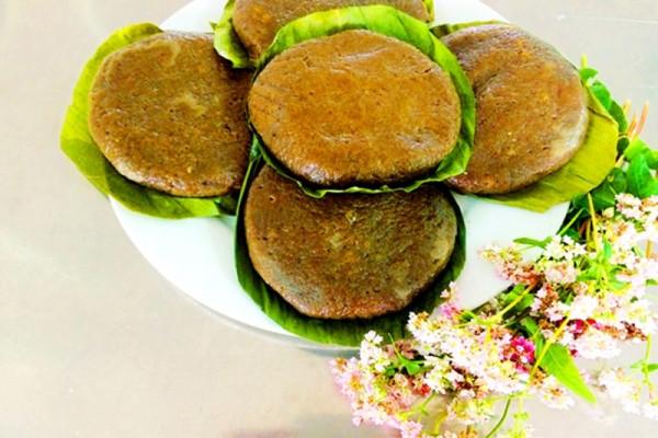 Thưởng thức bánh Tam giác mạch - đặc sản 'bánh hoa' miền sơn cước Hà Giang