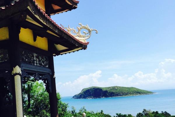 Du lịch Quảng Bình tìm về Vũng Chùa - Đảo Yến