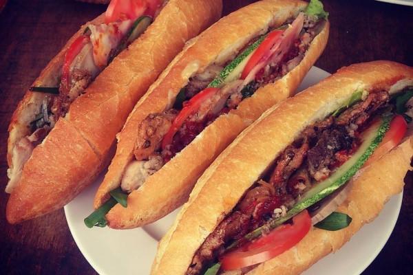 Ba điểm cần lưu ý khi ghé Hội An thưởng thức bánh mì Phượng