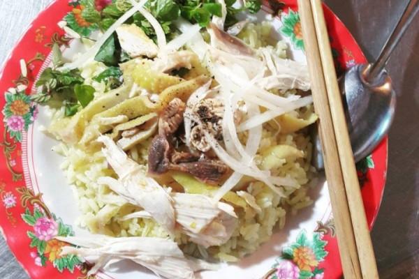 Cơm gà Bà Buội Hội An - món ăn nức tiếng trong lòng khách tứ phương