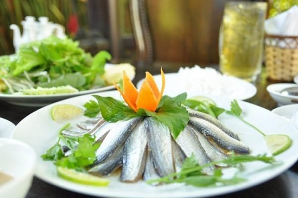 Thú vị với món gỏi cá nhồng Phú Quốc dân dã mà ngon hết nấc khó lòng bỏ qua