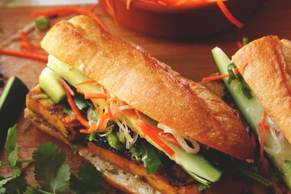 Ghé thăm quán bánh mì nổi tiếng khắp thế giới ngay tại Hội An