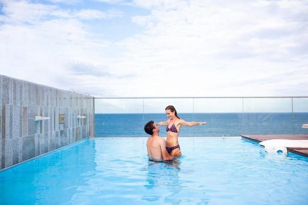 Top 10 khách sạn gần biển giá tốt nhất nên ở khi đến Đà Nẵng