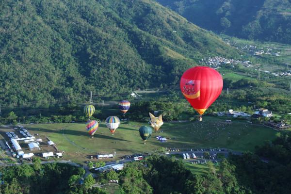 Lễ hội khinh khí cầu Quốc Tế Mộc Châu 2019 - Ngắm toàn cảnh cao nguyên Mộc Châu trên khinh khí cầu