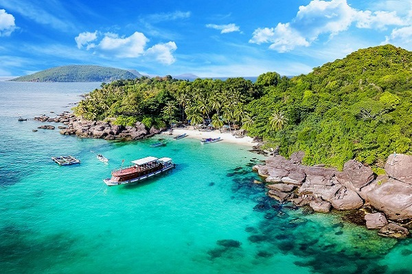thue-xe-phu-quoc-tago-travel