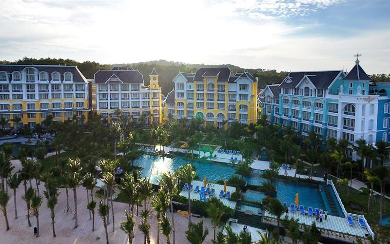 JW-Marriott-Phú-Quốc-Emerald-Bay-Resort-Spa